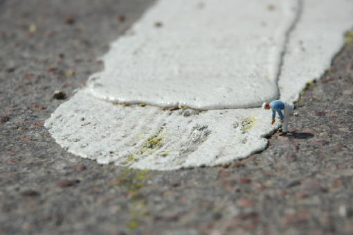 microworlds_figuresinalandscape_paintingtheroad